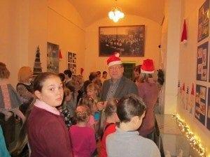 Skolenu pils Rigas skolu muzejs 2013.12.10-2014.01.31 Ruku izstade2